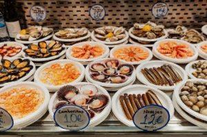 Gastronomía típica española en multiespacio gastronómico